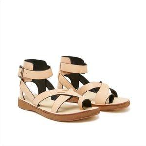 Kelsi Dagger Cancun Sleek Gladiator Sandals 7.5